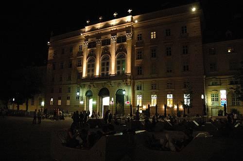 Museums Quartier Wien Cae la noche