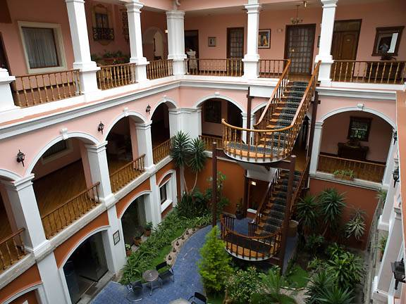 hotel-patio-andaluz-courtyard