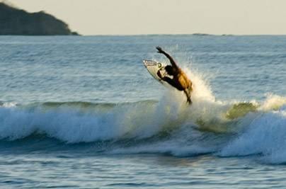 Disfrutando del eco-surf en Costa Rica 1