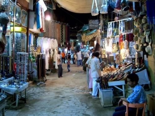 Lugar típico de Egipto, el mercado de Asuán 1