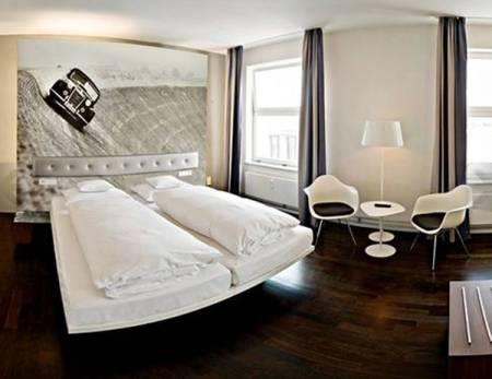 Hotel V8, para amantes de los coches 1