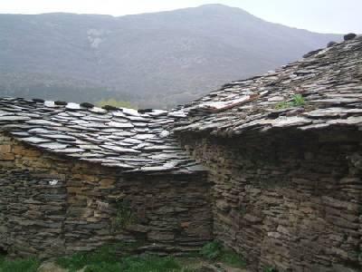 Turismo rural por los pueblos negros de Guadalajara 1