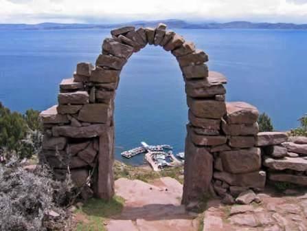 Islas del lago Titicaca: navegando por Perú y Bolivia 4