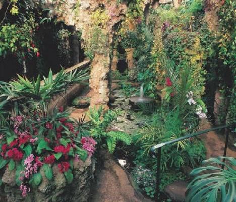 El jardín subterráneo de Dewstow House en Gales 1