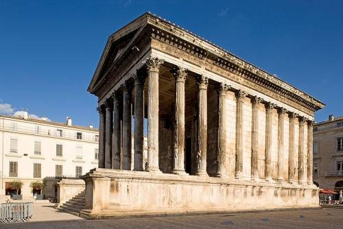 monumentos de nimes francia