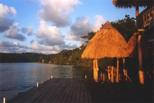 lago de izabal guatemala