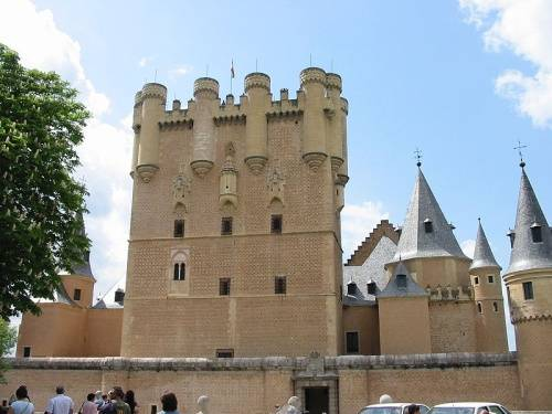 El Alcázar de Segovia en España 3