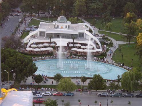 Conociendo el centro histórico de Tirana 1