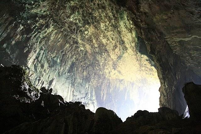 cuevas en malasia