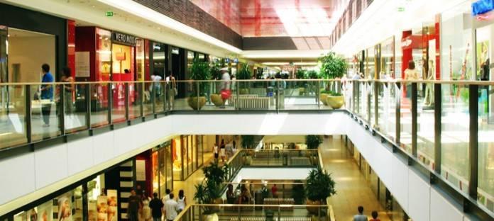 Barcelona abrirá sus tiendas comerciales los domingos de verano 2