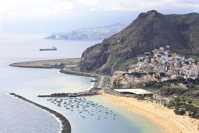 Debate por la tasa turística en Islas Canarias 2