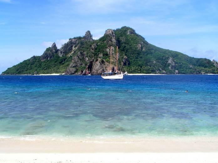 Las islas más curiosas, Monuriki y Bouvet 2