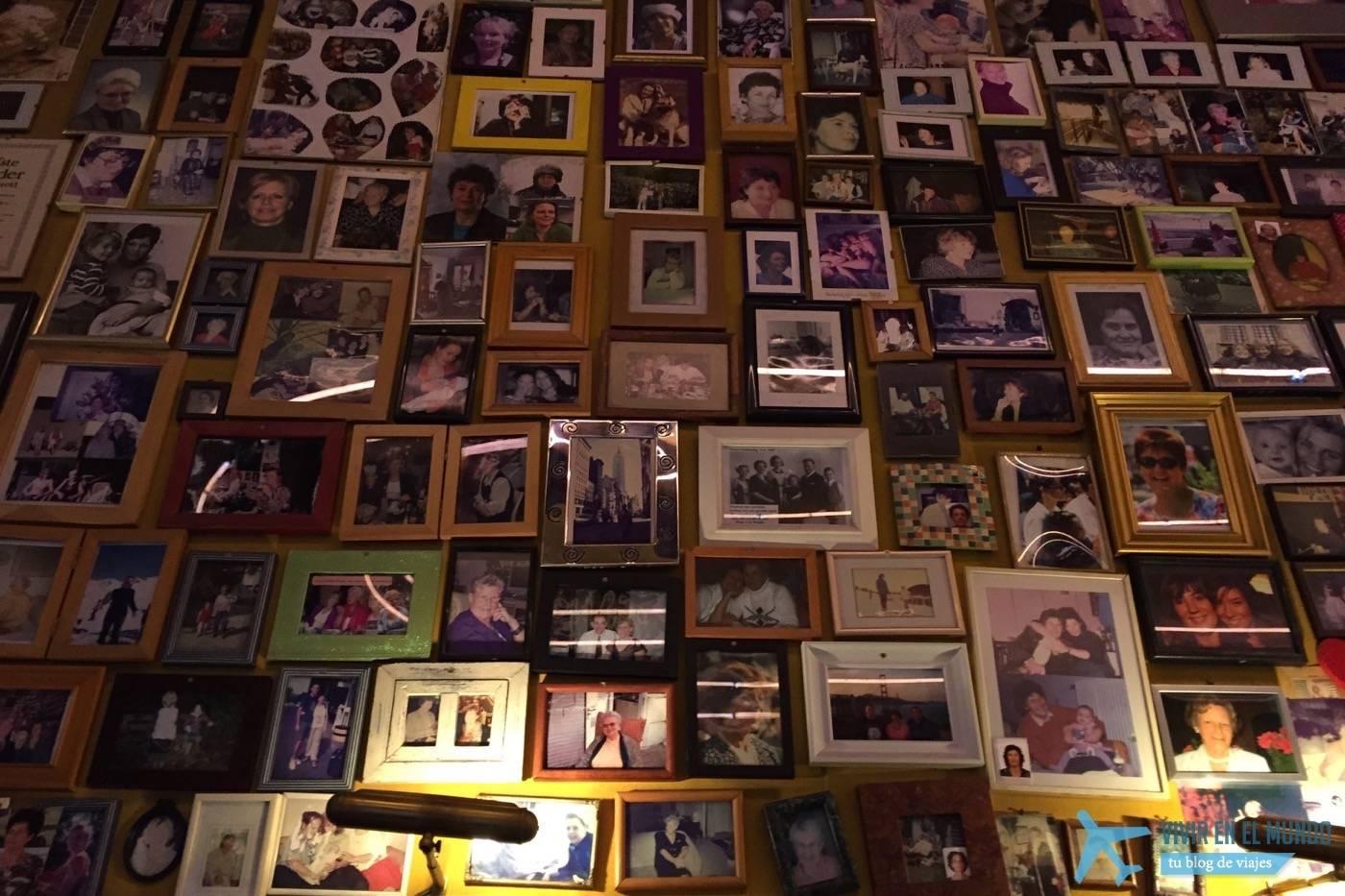 Moeders y sus paredes con las fotos de miles de madres
