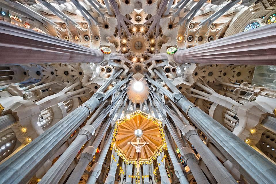 Visitar la Sagrada Familia conociendo los detalles