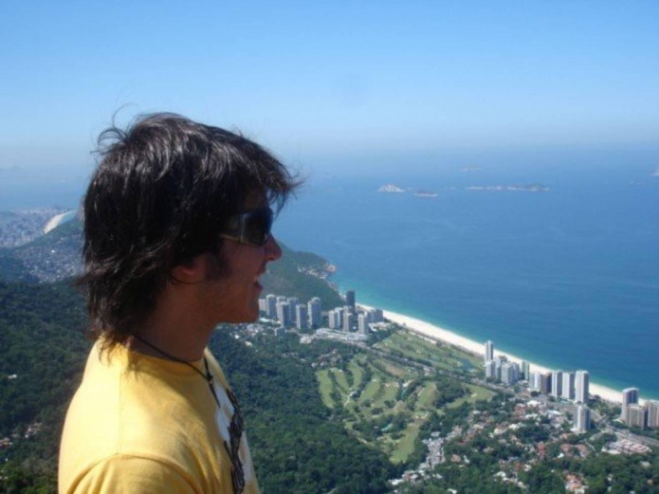 viajero o turista desde las alturas