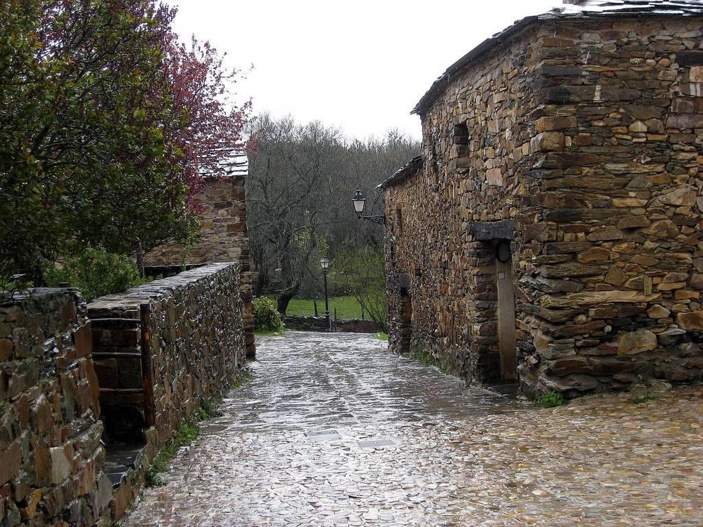 Pueblos fantasma de España que debes visitar 5