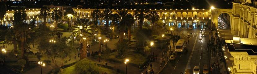 visitar arequipa_plaza de noche
