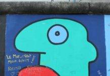 East Side Gallery Thierry noir. jpg