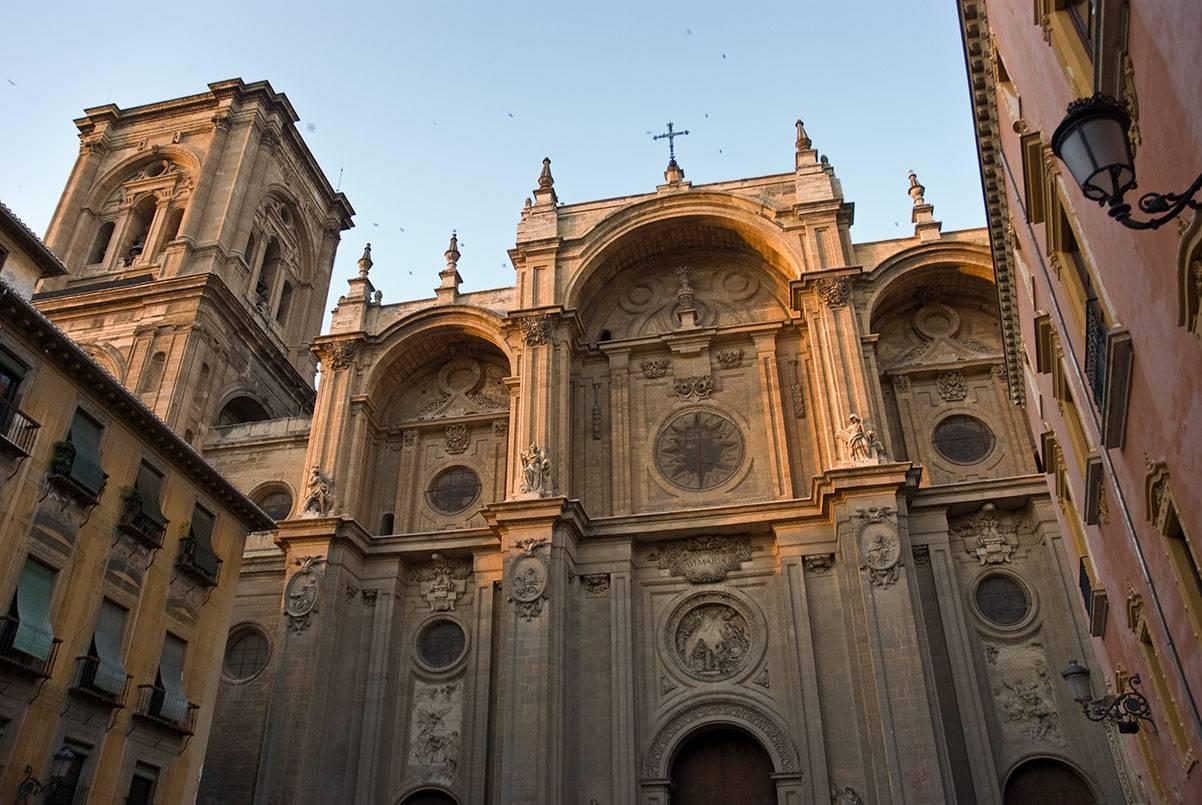 viajar en granada-catedral