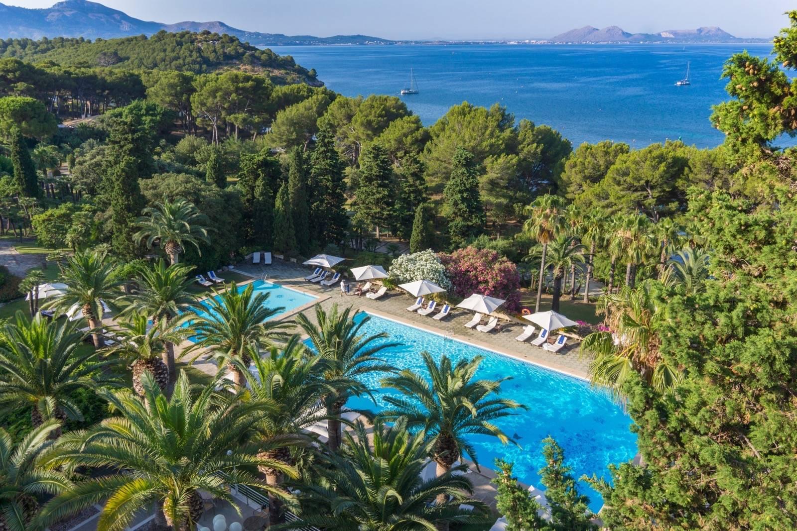 formentor-hotel-piscina