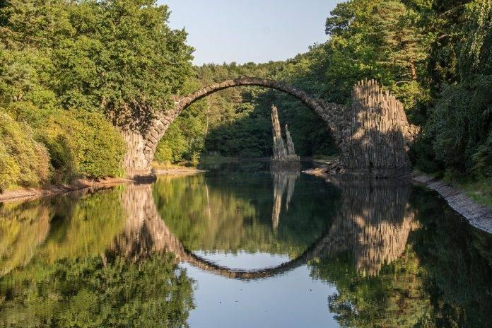 Los 10 puentes más místicos y escalofriantes del mundo 2