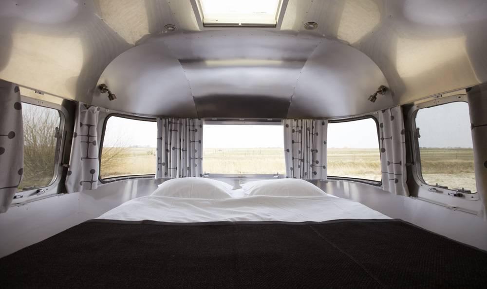 6 caravanas extravagantes para recorrer el mundo 6