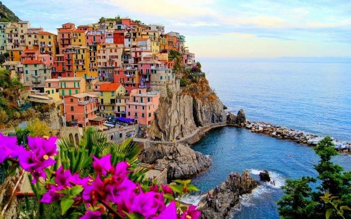 8 lugares en el mundo con casas suspendidas en el aire 10