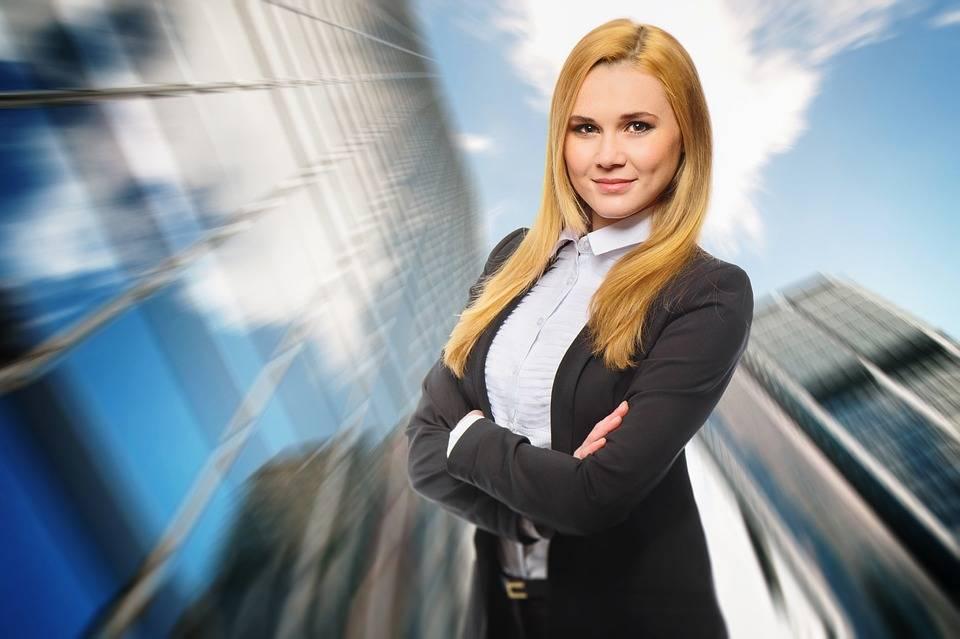 Las principales herramientas digitales que utilizan las mujeres que viajan por trabajo 1