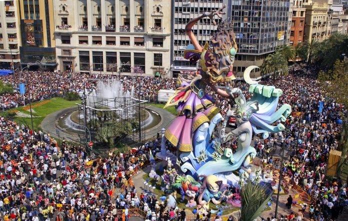 Las Fallas Valencias, una de las fiestas favoritas para los españoles 6