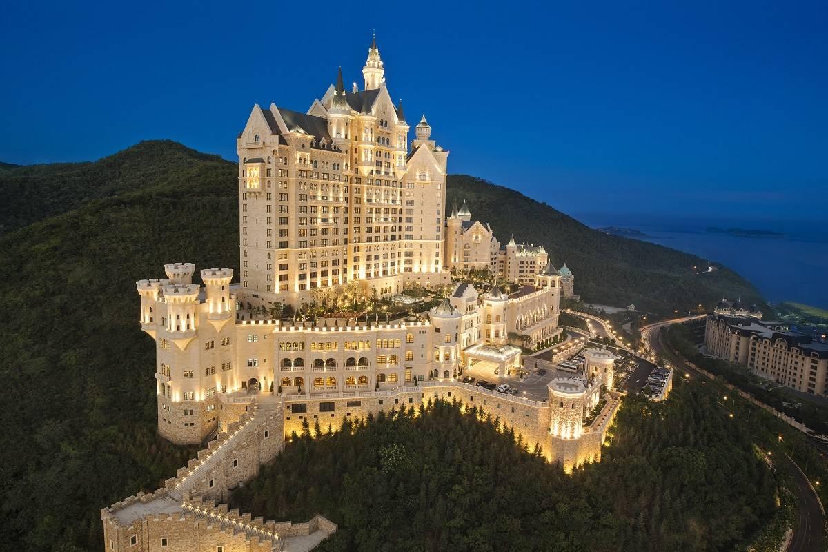 7 castillos espectaculares donde poder sentirte como un rey 3
