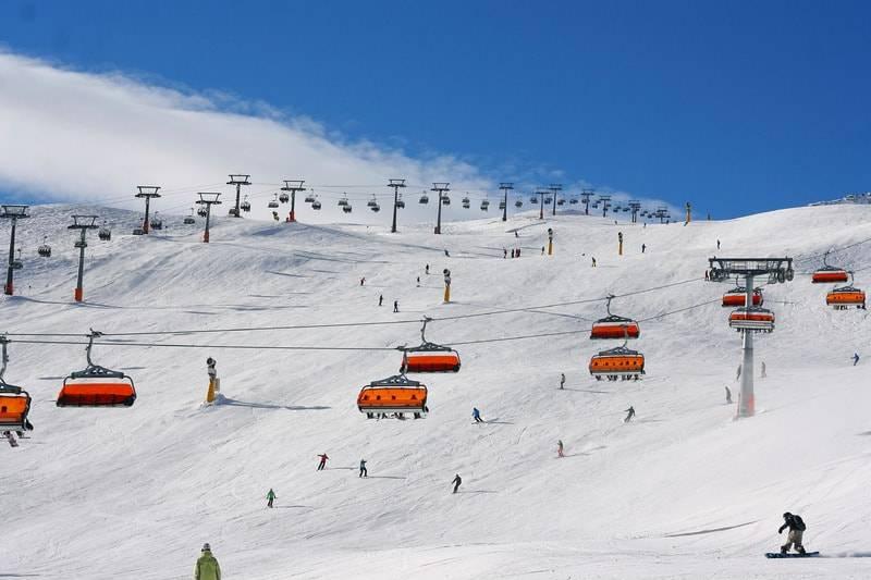 Disfruta del mundo del esquí sin tener que pagar demasiado 2