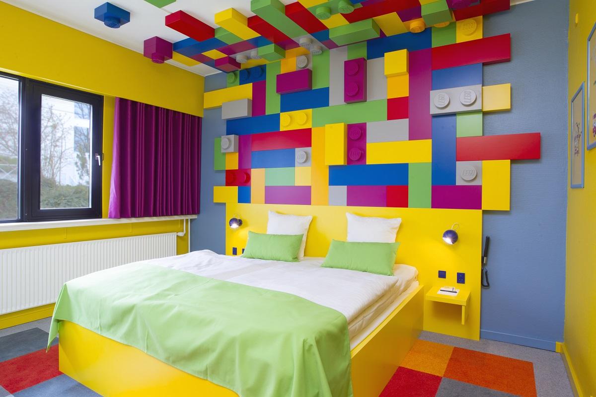 Alojamientos donde la temática son los juguetes de tu infancia 4
