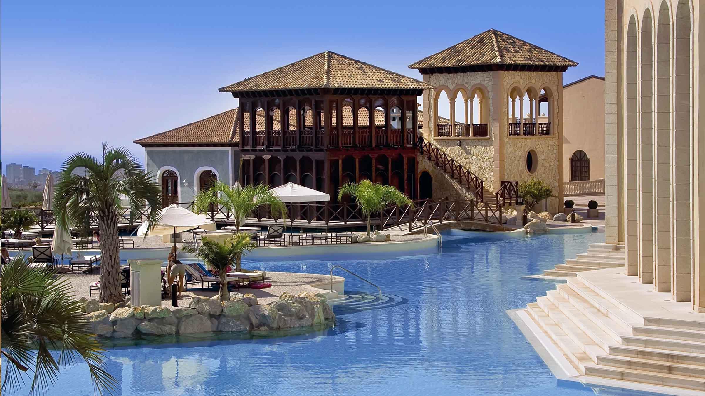 Un hotel de lujo para disfrutar de unas vacaciones en un pueblo mediterráneo 3