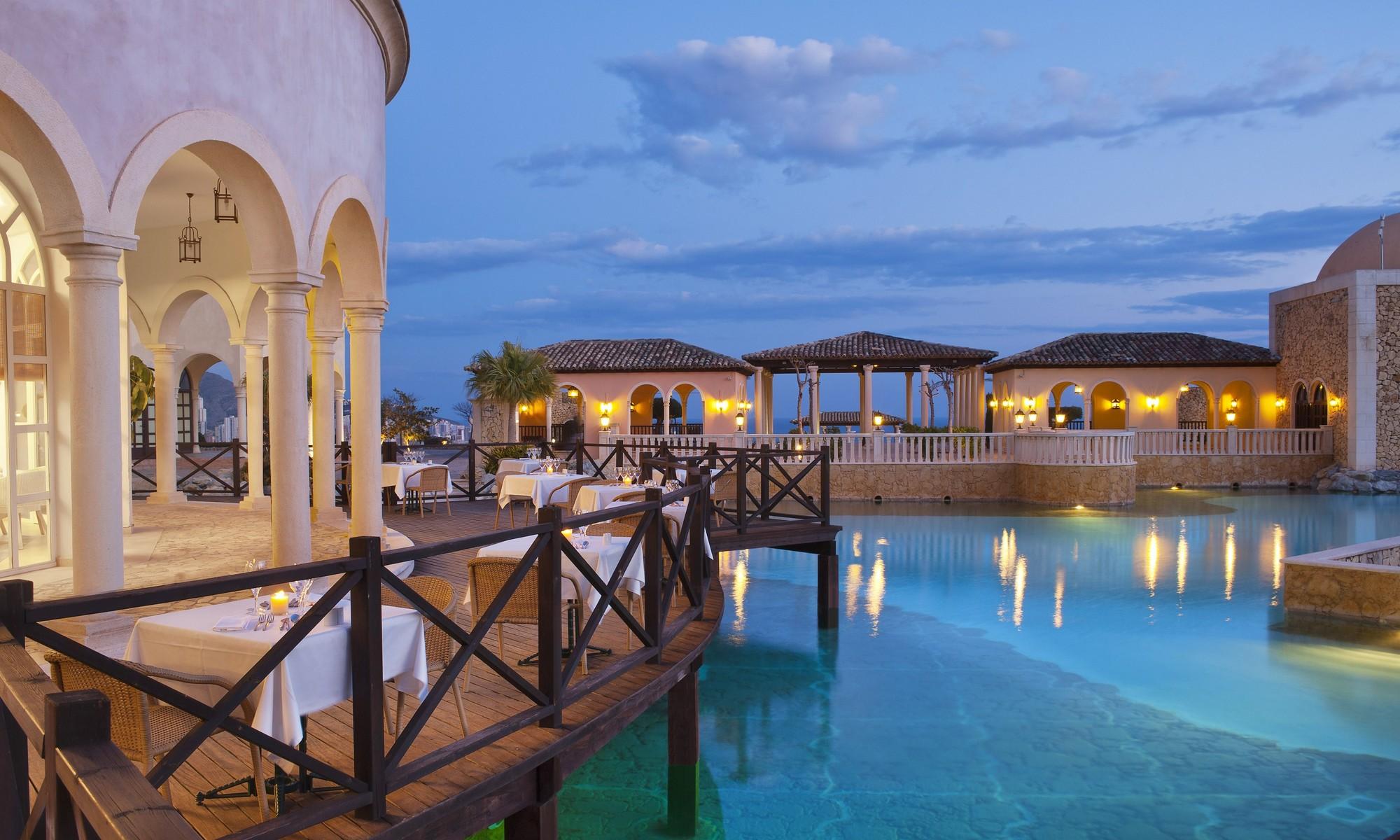 Un hotel de lujo para disfrutar de unas vacaciones en un pueblo mediterráneo 2
