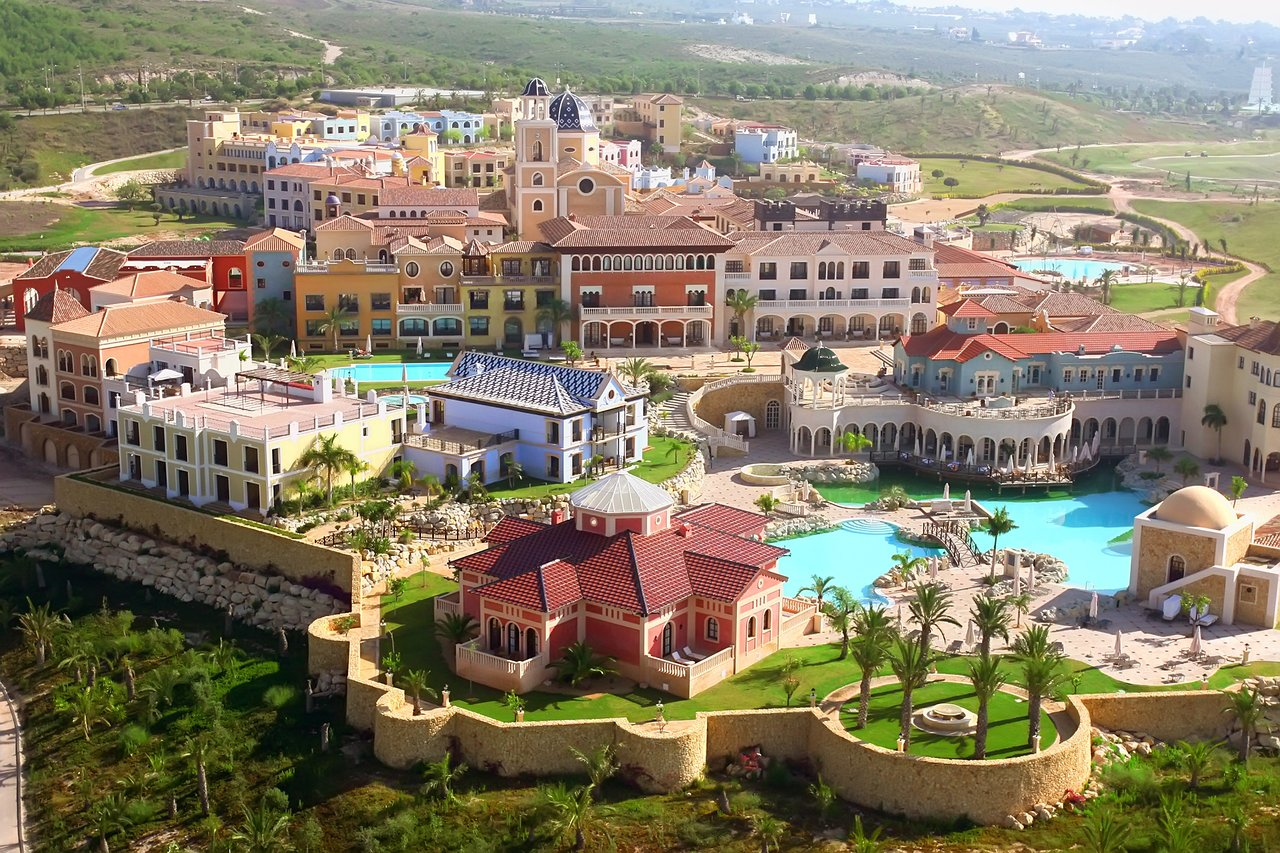 Un hotel de lujo para disfrutar de unas vacaciones en un pueblo mediterráneo 4