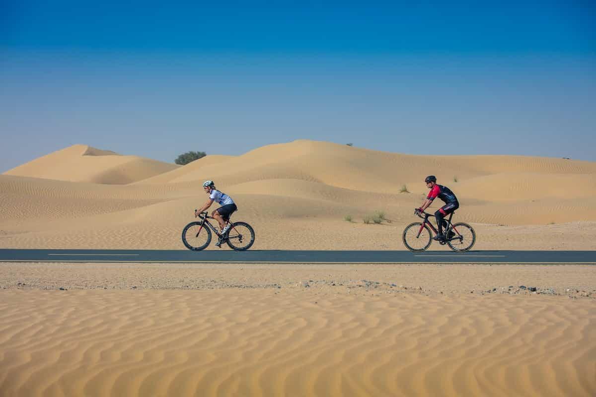 Rutas para descubrir Dubai pedaleando por el desiertof 1