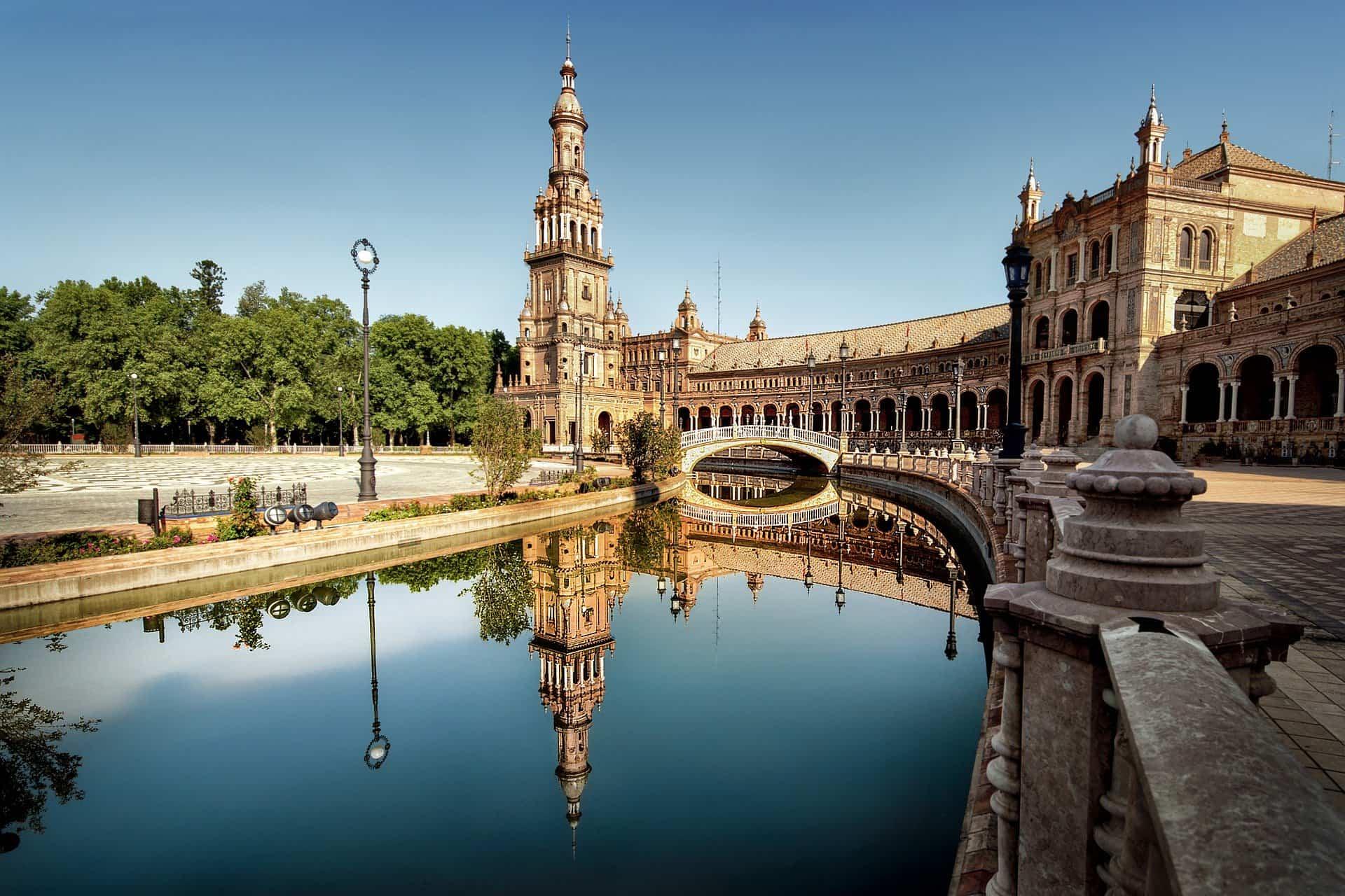 Descubre las mejores ciudades españolas para ir de tapas 1