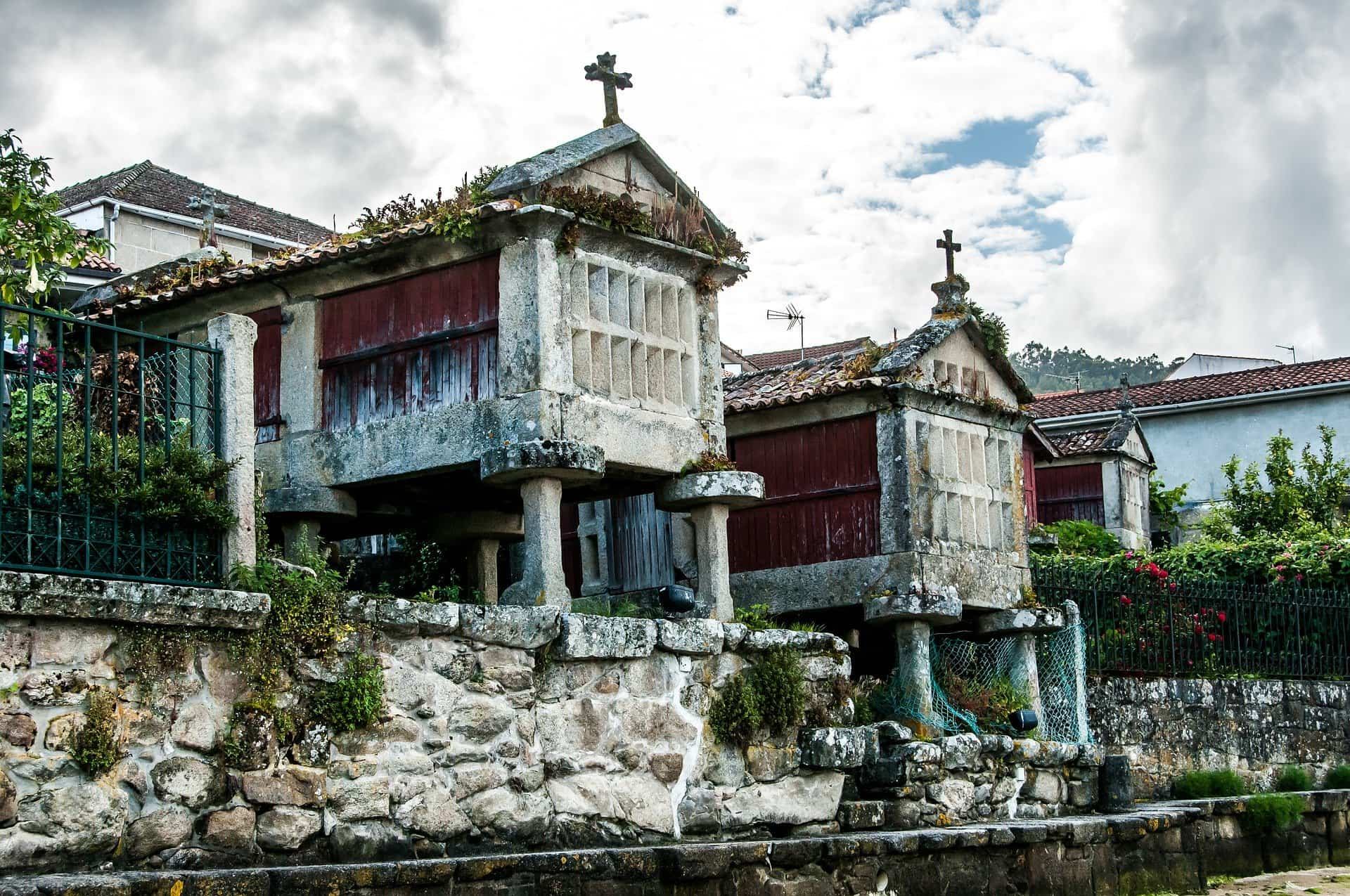 Descubre las mejores ciudades españolas para ir de tapas 10