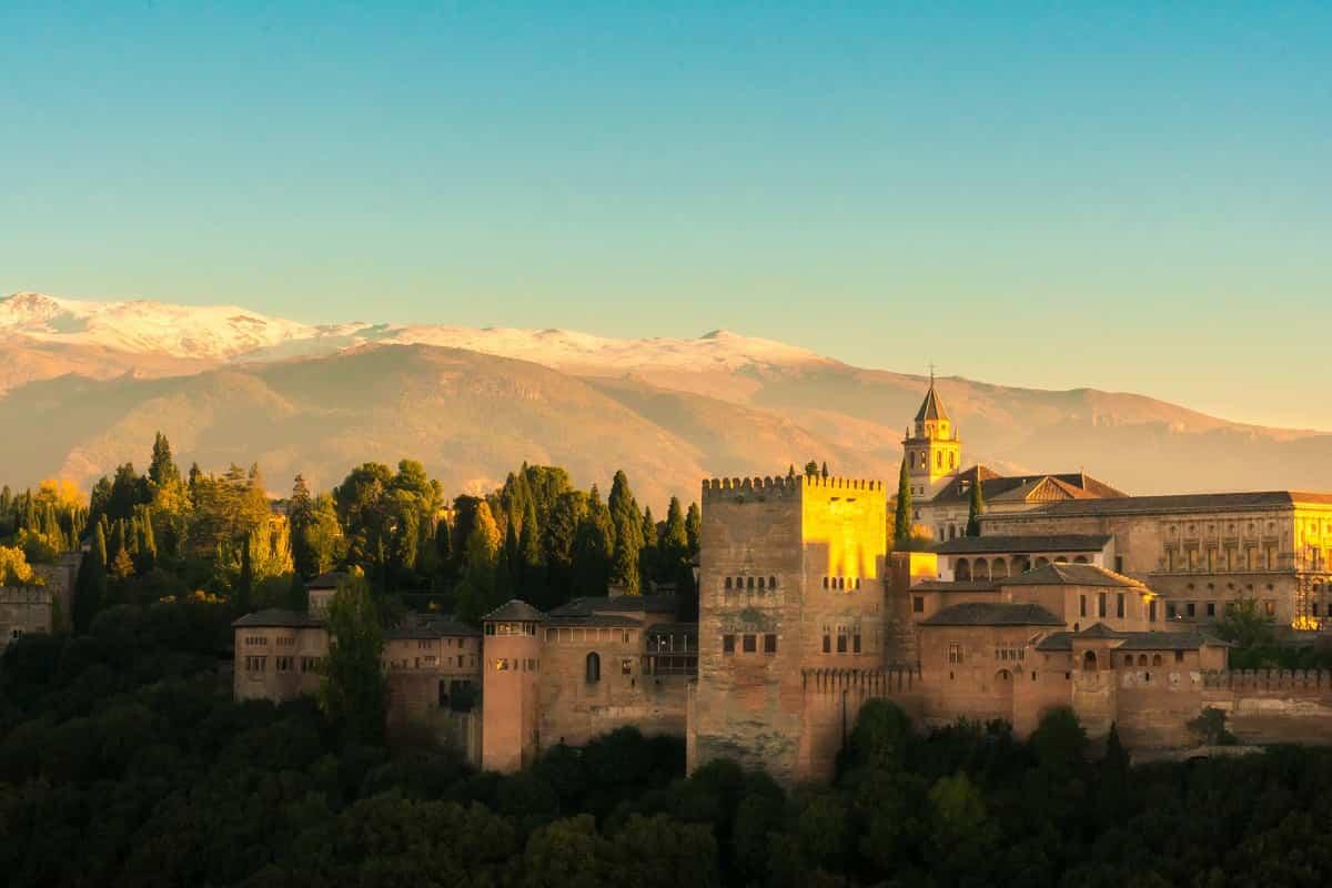 Descubre las mejores ciudades españolas para ir de tapas 2