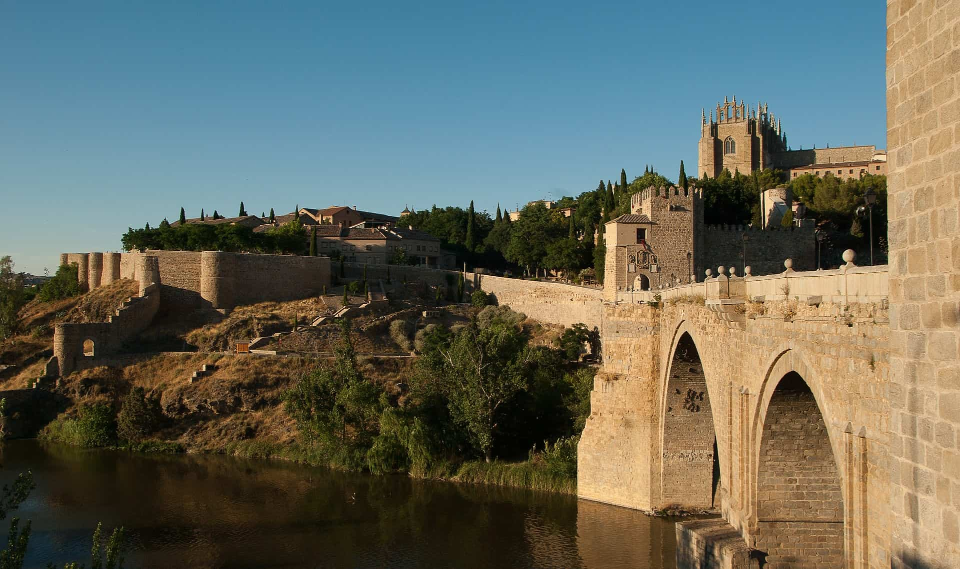 Descubre las mejores ciudades españolas para ir de tapas 7